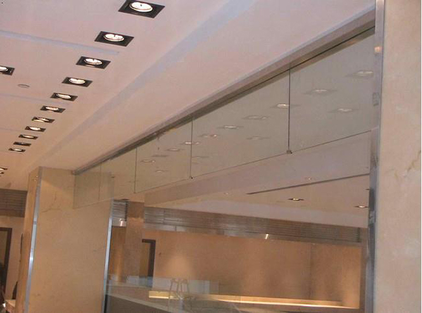 玻璃挡烟垂壁